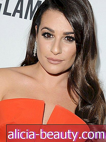 Kako-To: Lea Michele's Romantic Side-swept kose