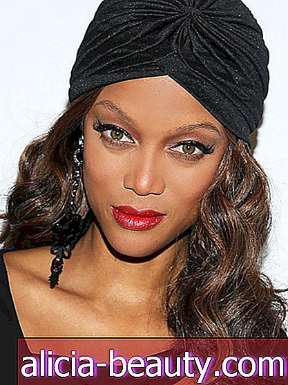 Exklusiv: Tyra Banks on Cheekbone Envy und ihre 3-Minuten-Make-up-Routine