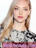 Amanda Seyfried bir MAJOR saç kesimi var!