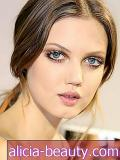 The Secret Behind Lindsey Wixson's Lashed Out Look