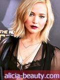 Jennifer Lawrence Goes Goth Chic for Hunger Games Premiere